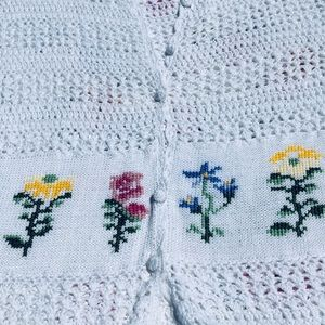Sweaters - Vintage Button Sweater Pretty Floral Embroidery